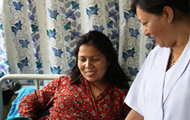 Nepal Midwife Wins Jhpiego's International Award for Outstanding Contribution to Midwifery