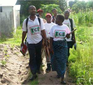 Community counselors bring HIV testing to where Mozambicans live.