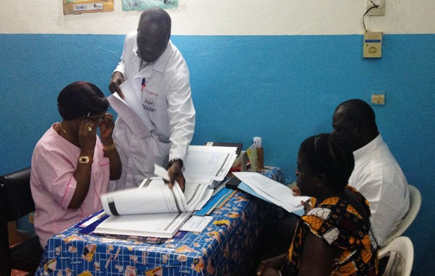 Nearly 18,000 women at 20 health care facilities were screened for cervical cancer between October 2009 and September 2014 through a Jhpiego-supported program focused on reducing maternal deaths in Côte d'Ivoire.