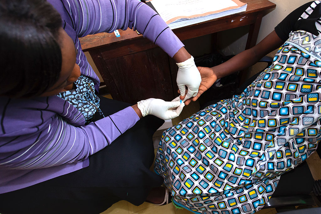 A Jhpiego-supported program in Malawi has helped more than 9,000 HIV-positive clients receive the treatment they need.