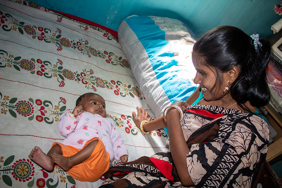 Midwives in India